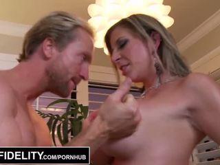 Pornfidelity - to ngựa con milfs sara jay và kelly làm ryan cum ba times - khiêu dâm video 261