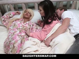 Daughterswap - swapped ve becerdin sırasında sleepover