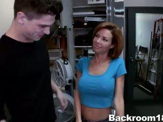 Veronica avluv fucked w zaplecze