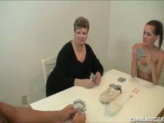 Thiếu niên và mẹ busting các nut của các hàng xóm con trai