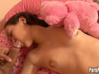 Asin pleasantheart amai liu acquires beliau muka hole attacked oleh yang zakar/batang manakala tidur