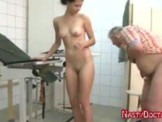 Tanja sucks vana doc peenis