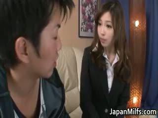 Aiko hirose 日本語 孩兒 gives part3