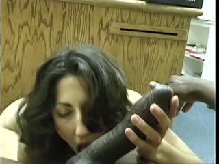 Asian-pakistani brunett sucks stor svart dravidian balle
