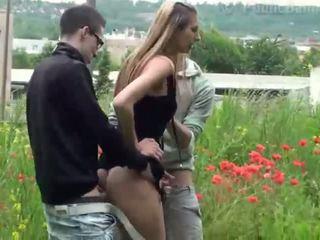 Público sexo gangbang con preciosa adolescente 2