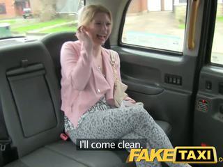 Faketaxi καυλωμένος/η πελάτης calls taxi bluff
