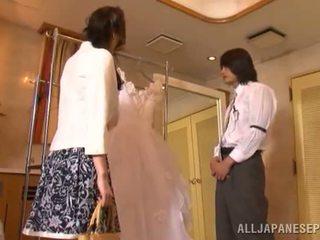 Yui tatsumi die erotisch braut gives ein thang schwanz saugen bis sie fiance