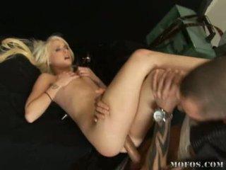 голям пенис, хубав задник, големи пишки