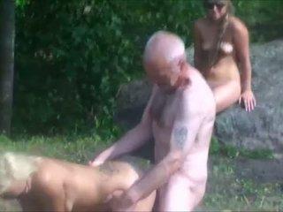 Ulf larsen & tieners in park