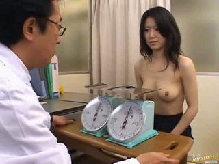 Japonais av modèle mignonne bureau fille