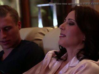 Jenna j ross gets fodido por dela namorada em casa coming, cena #02