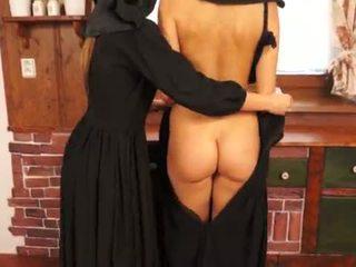Gemeen catholic nuns making sins en licking poesje