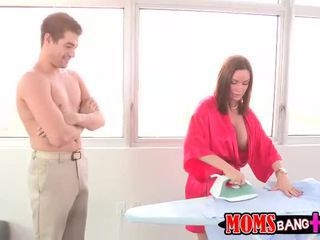 hardcore sex, výstřik, velká prsa