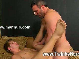 Gay sex wenn die beefy hengst catches anthony