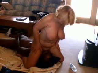 Nadržený zralý manželka adoring černý dicks, porno 33