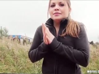 Tini alessandra fucks neki út otthon