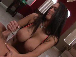 bruneta, velká prsa, carmella bing
