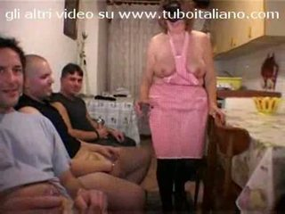 Itaalia koduperenaine la casalingua