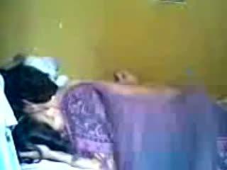 इंडोनीषियन romantic टीन कपल बनाना प्यार में बेडरूम