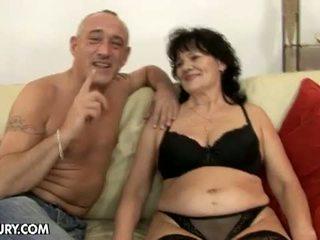 Lusty grandmas: cachonda abuelo caliente para peluda abuelita helena mayo
