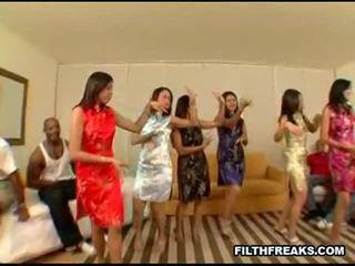 Aziatike festë 2 seks video