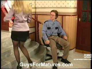 คุณ เพศไม่ยอมใครง่ายๆ, ผมบลอนด์, ทั้งหมด คนชอบสุนัข จริง