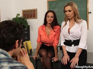 Grande titted teachers sedurre loro learner in sexy 3 alcuni
