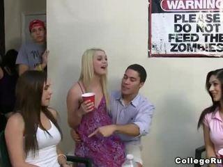 Slutty sestrstvo dekleta zabava težko s frat boys