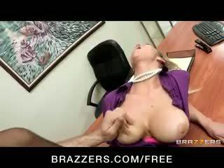 角质 big-tit 金发 office-slut 色情明星 abbey brooks fucks 迪克