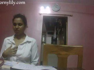 Indiane seks mësues i eksituar lily dashuria lesson
