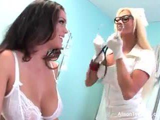 वियर्ड नर्स nikita tries को चंगा alison