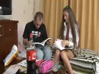Krievi pāris penetrate pēc skola