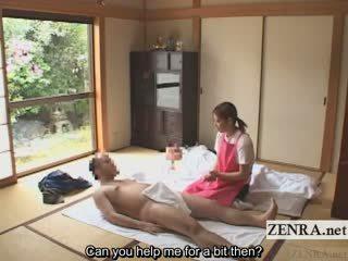 Subtitled lei vestita lui nudo giapponese caregiver elderly uomo sega
