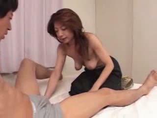 Japonez matura este flămând pentru sex video