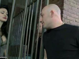 Aletta ocean getting double körd i fängelse