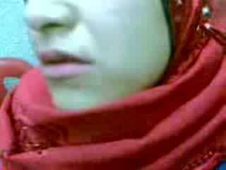 Аматьори arab hijab жена крем пай видео