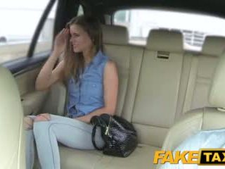 Faketaxi wanita wants kepada melihat drivers besar zakar/batang