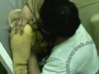 Arab perempuan tak senonoh dalam hijab fucked oleh doctor-asw231