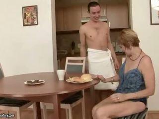 Hot leh enjoys bayan with a boy