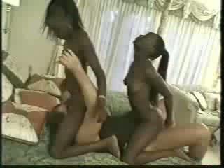 Africa kembar kacau dengan 1 men