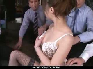 Aiko hirose gets 엿 로 모든 그녀의 사무실 colleagues