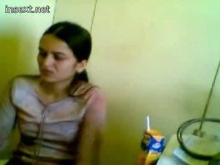 Pakistan 비서 working 그녀의 보스