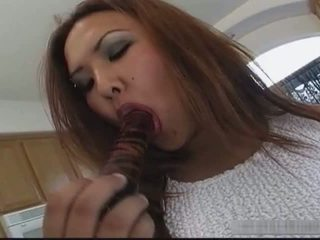Amiture porno tieners suprise sperma in mond