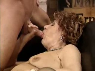 bà nội, bà mẹ và boys