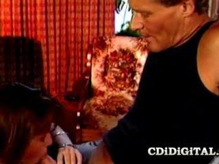 Charli বালিকা তরুণী হার্ডকোর দ্বারা পুরাতন বাড়া বাবা