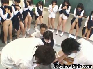 Forró szex lány -ban iskola osztályterem