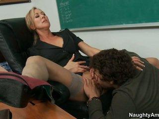 لي معلم takes كامل ميزة