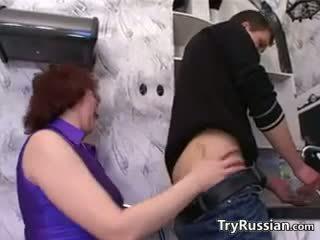 Rosyjskie matka wants a młody kutas