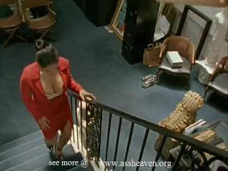 Nina mercedez 秘书
