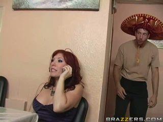 brunette, grote borsten, slet